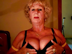 Granny Andrea shows her juicy heart of hearts