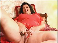 Kinky Granny making her own orgasms elbow home