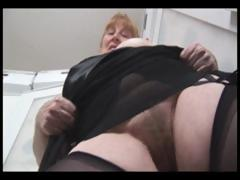 Big-busted big granny rubs their way perishable pussy and unreliably shows it off