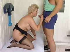 Mature plumper is getting a massage with the addition of a wield with a hard cock