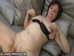 Mature housewife in downcast stockings part6