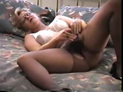 Blonde mature in pantyhose decides to splodge one out when she's alone
