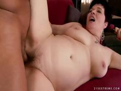 Fat brunette Goldee gets will not hear of big pussy licked with the addition of banged with the addition of sucks him off