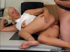 Piping hot grandma gets the brush grungy pussy fucked part6