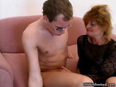 Roasting mature mom loves sucking some part1
