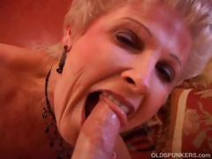 Magnificent cougar sucks cock together with eats cum