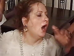 Mature gets mouth full be beneficial to cum