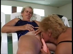 Mature Lesbians fuck by the conjoin