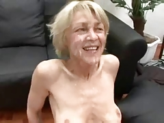 Skinny peaches GILF gets one facials!