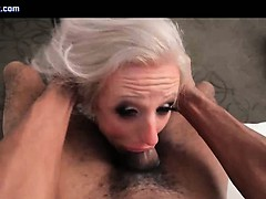 Tranny pro gets mouth fucked