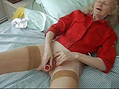 GRANNY Josee  HOUSEWIFE  sextoys in say no to pussy
