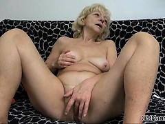 Smutty blonde old bag gets horny scraping part5