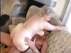 Granny receives a Pussy spreading in a big Blarney