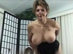 Kinky Granny In A Hot Outfit Likes Level with Rough