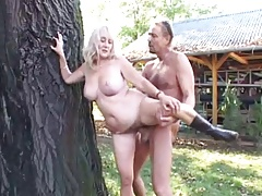kirmess granny is carnal fucked outdoor