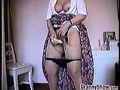 Granny Masturbates Apropos Her Vibrator