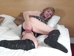 Amateur granny with hungry venerable cunt in big deadly cleaning man