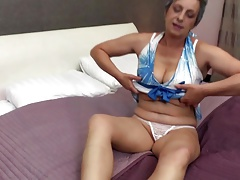 Real hot granny with stimulated pussy