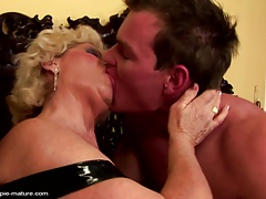 Grandma creampied into gradual pussy by young alms-man