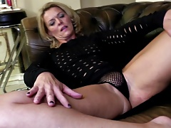 Mature mom with downright body and hungry holes
