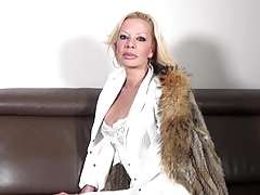 Hot mature floosie mom with big boobs and peckish cunt